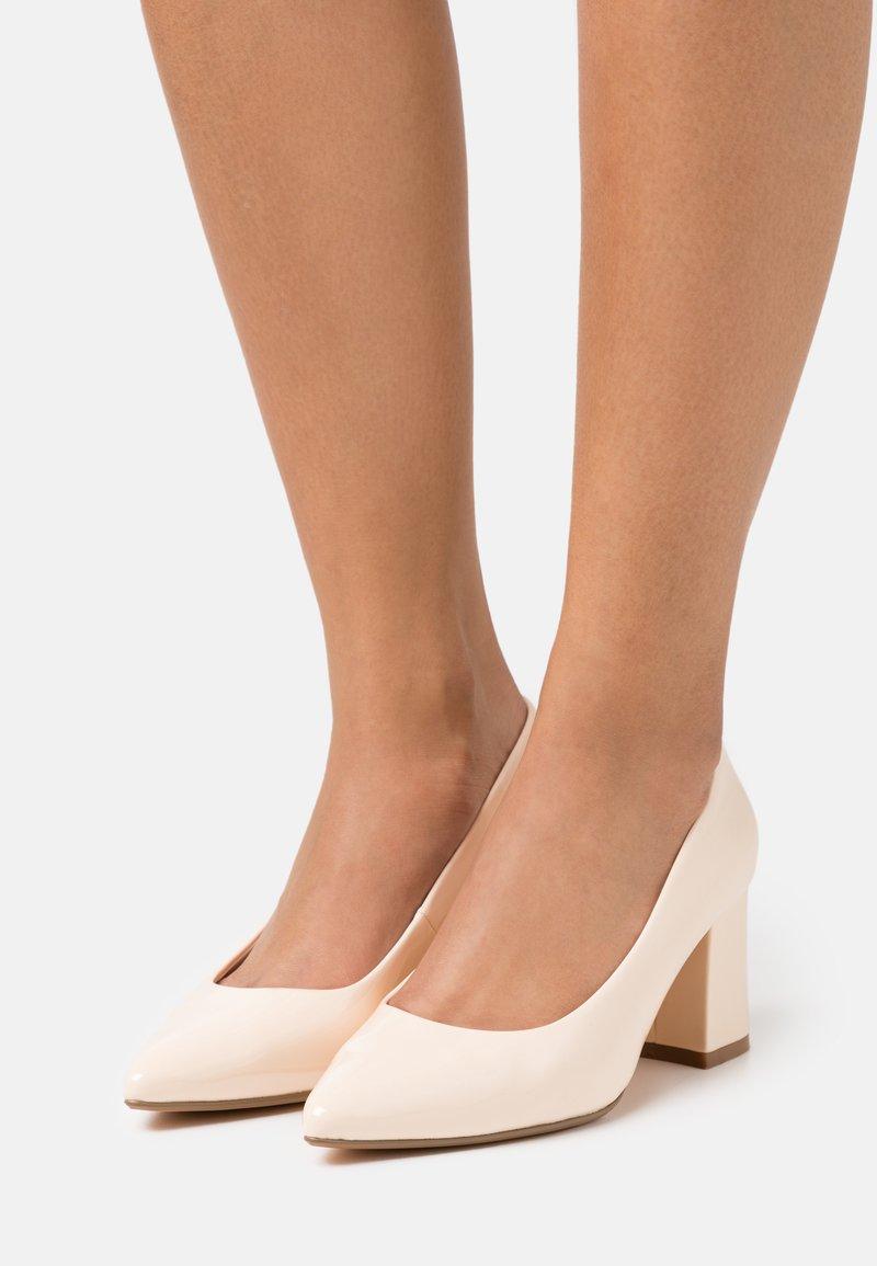 Buffalo - RAQUEL - Classic heels - beige