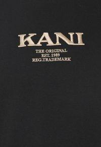 Karl Kani - RETRO TEE UNISEX - Triko spotiskem - black - 6