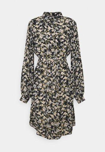 PCGERTRUDE SHIRT DRESS