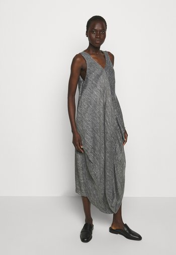 FLOW DRESS - Day dress - black/white