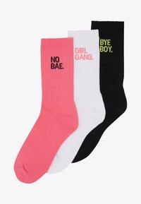 GIRL GANG SOCKS 3 PACK - Socks - pink/white/black