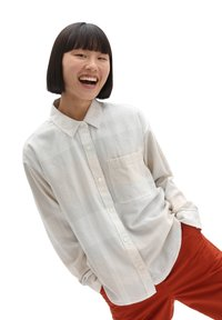 Vans - WM EASY PLAID FLANNEL - Button-down blouse - sandshell - 0