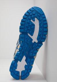 ASICS - GEL-NANDI 360 - Trainers - white/electric blue - 2