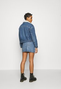 Levi's® - NEW HERITAGE SHERPA - Giacca di jeans - hot head - 2
