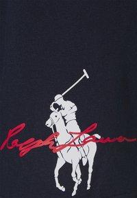 Polo Ralph Lauren - GRAPHIC - Shortsit - cruise navy - 2