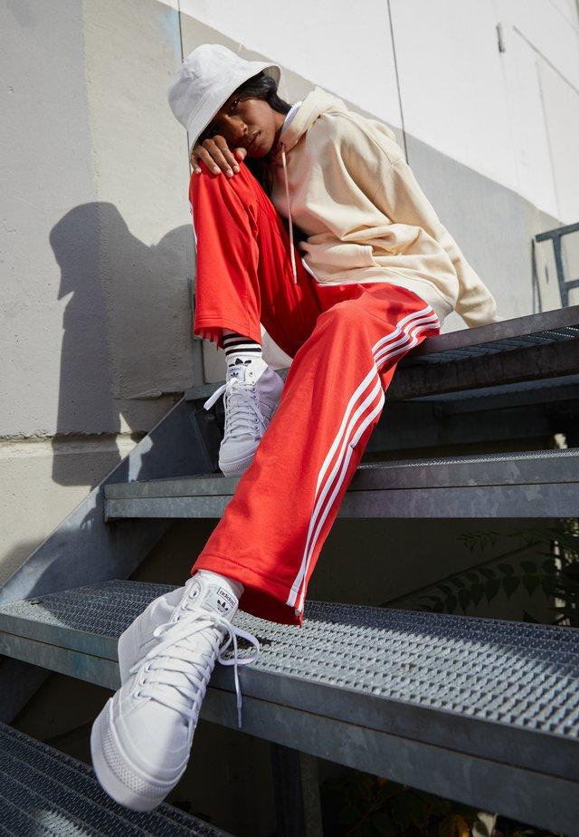 NIZZA PLATFORM MID - Sneakers hoog - footwear white