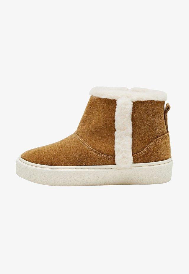 INUK - Winter boots - bruin