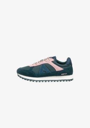 CHASE - SNEAKER LOW - Sneakers - dlpink.hyd