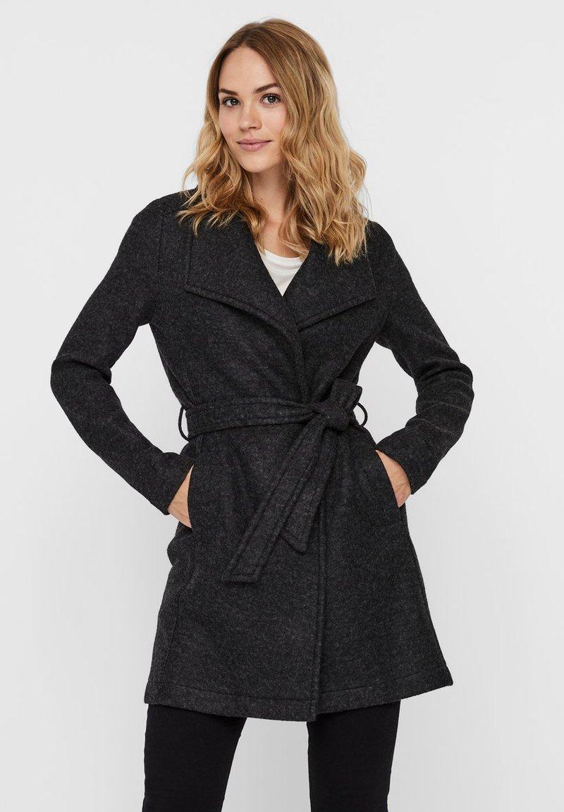 Vero Moda - VMBRUSHEDDORA JACKET - Klassinen takki - dark grey melange