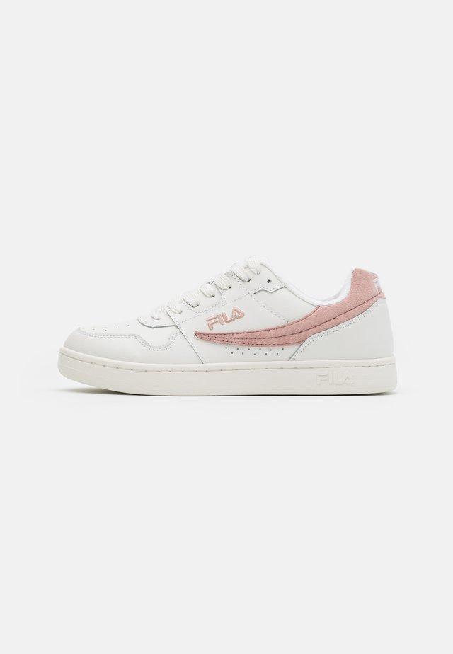 ARCADE - Trainers - white/sepia rose