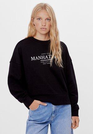 MIT PRINT UND STICKEREI  - Sweatshirts - black
