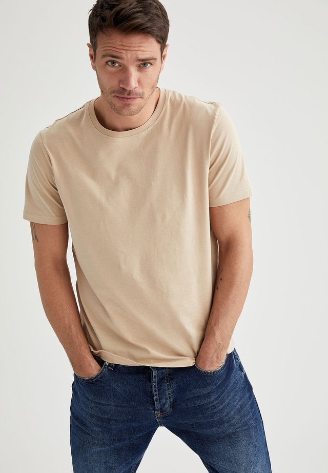 T-shirts basic - beige