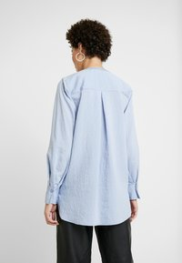 And Less - ALACE BLOUSE - Blouse - colony - 2