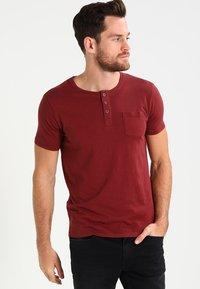 Tiffosi - BRIAN - Print T-shirt - red - 0