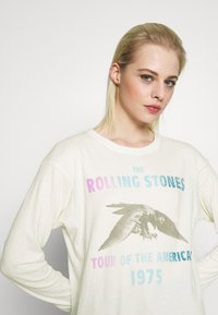 American Eagle - BEACH LONG SLEEVE TEE ROLLING STONES - Long sleeved top - natural white - 3