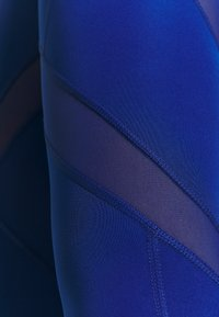 Puma - PAMELA REIF X PUMA MID WAIST LEGGINGS - Leggings - mazerine blue - 7