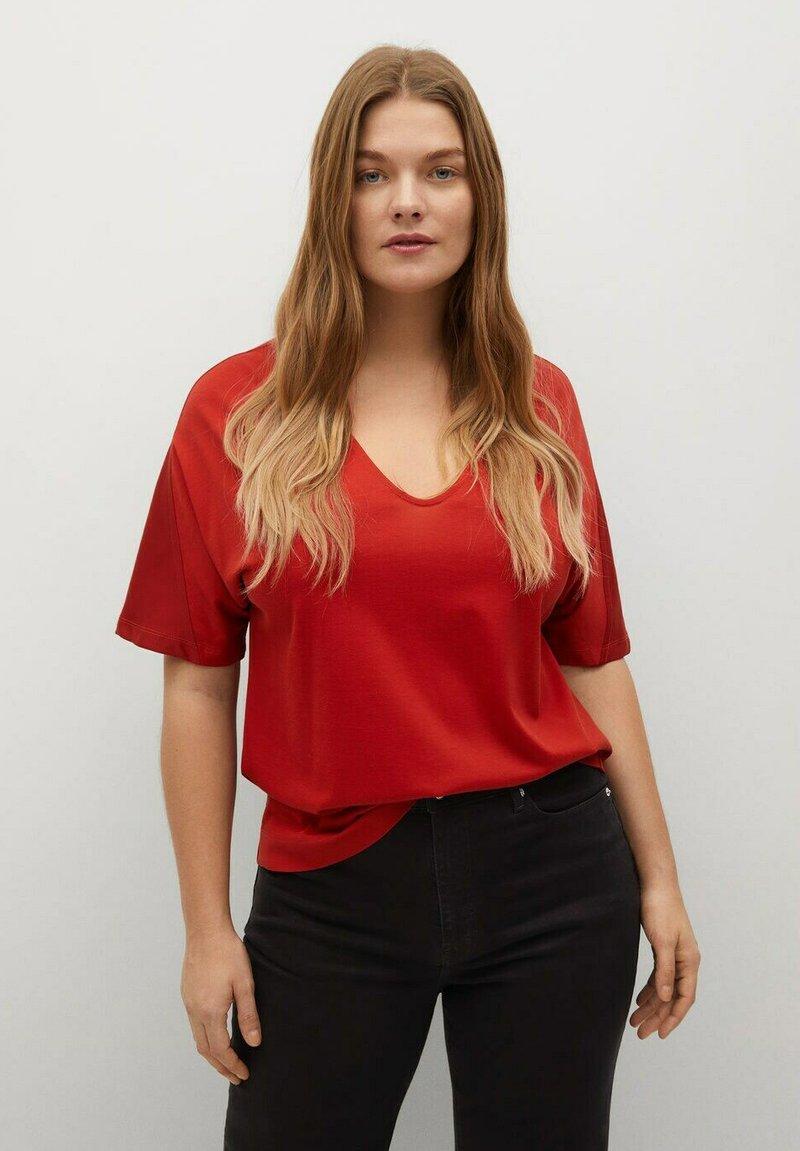 Violeta by Mango - Basic T-shirt - rotbraun