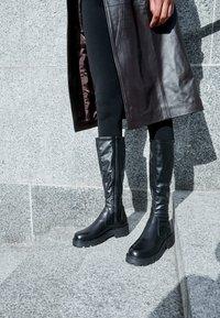 Vagabond - COSMO - Platform boots - black - 4