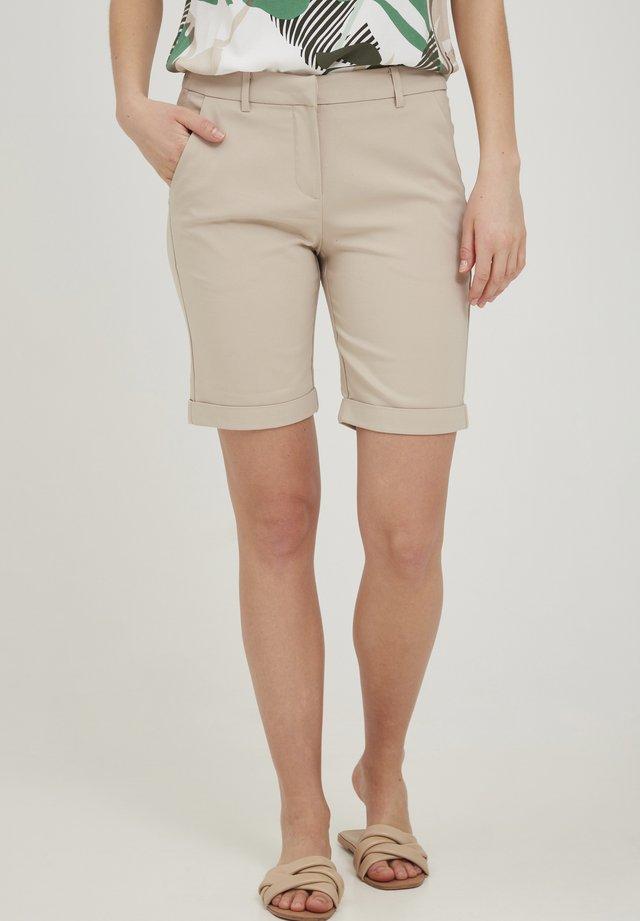 Shorts - oxford tan