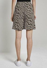TOM TAILOR - Shorts - black wavy design - 2