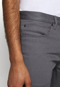 HUGO - Slim fit jeans - dark grey - 3