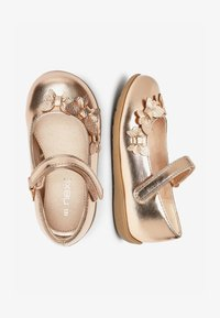 Next - WHITE BUTTERFLY MARY JANE SHOES (YOUNGER) - Ballerina's met enkelbandjes - gold - 1