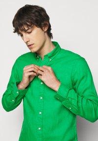 Polo Ralph Lauren - SLIM FIT LINEN SHIRT - Shirt - golf green - 3