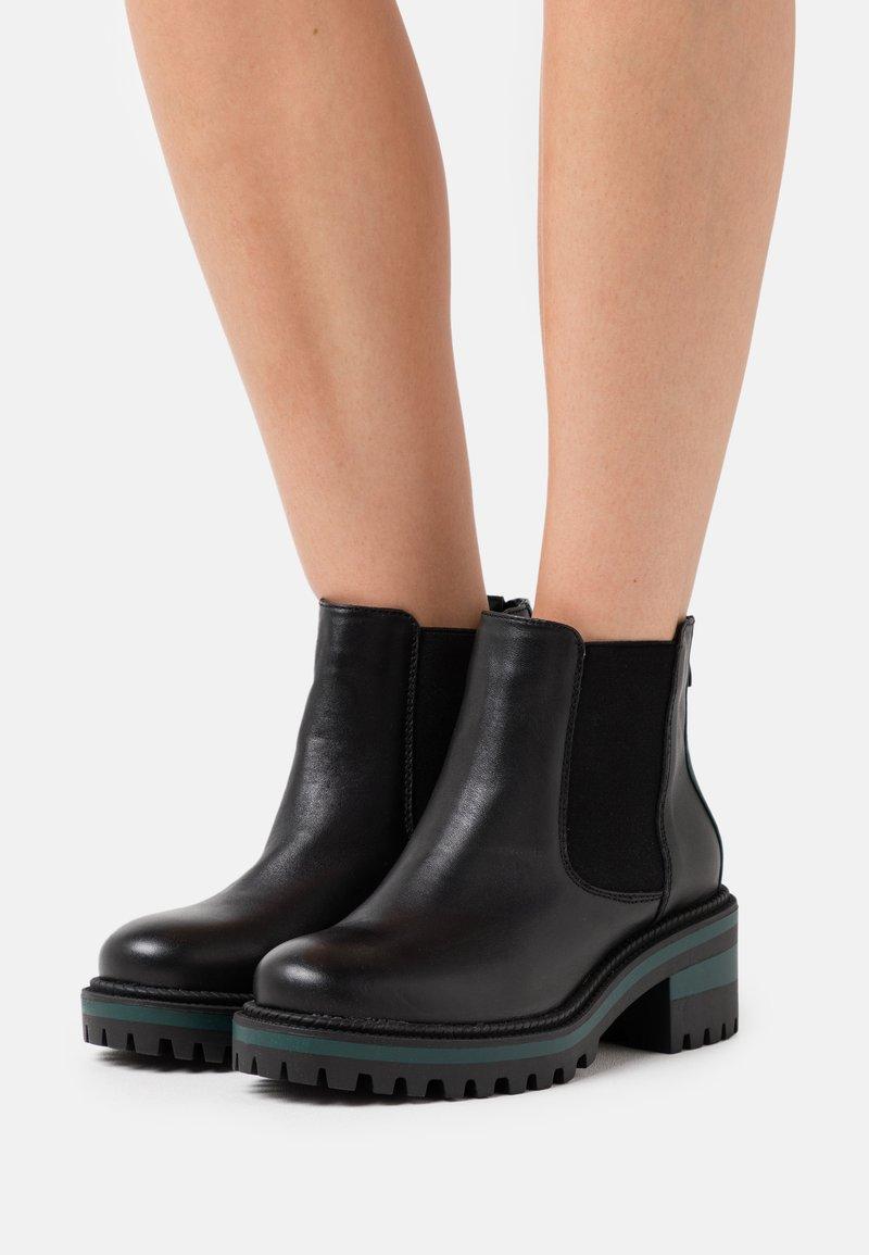 CAFèNOIR - Boots à talons - nero/verde