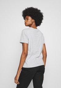 GANT - THE ORIGINAL  - Basic T-shirt - light grey - 2