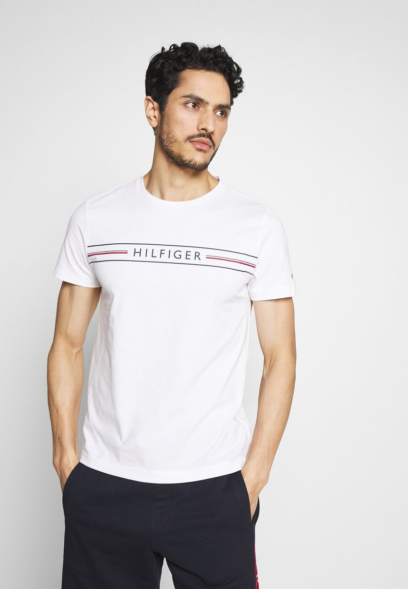 Tommy Hilfiger - CORP TEE - Printtipaita - white