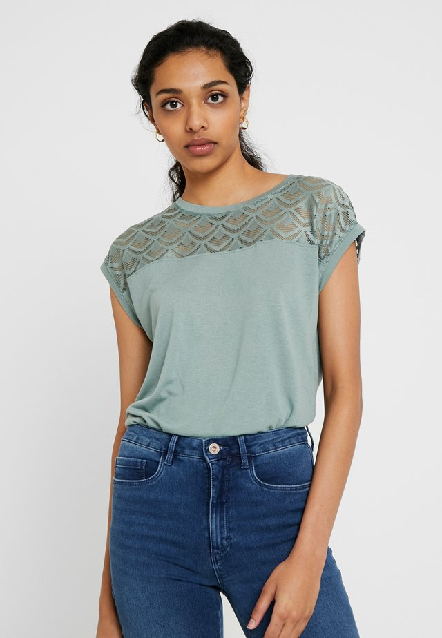 ONLNICOLE MIX - T-Shirt basic - chinois green