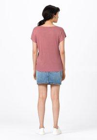 HALLHUBER - WEIT GESCHNITTENES - Basic T-shirt - rosenquarz - 2