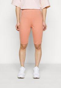Fashion Union Petite - SORREL SHORT - Shorts - dusky orange - 0