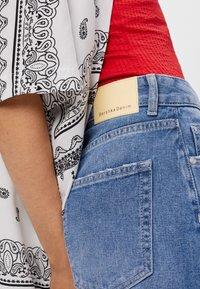 Bershka - Flared jeans - blue - 4