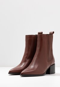 Zign - Classic ankle boots - dark brown - 4