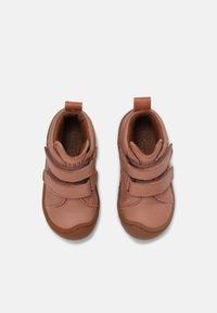 Bisgaard - GERLE UNISEX - Baby shoes - nude - 3