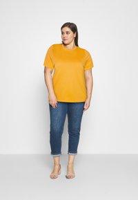 Selected Femme Curve - SLFPERFECT TEE BOX CUT - Jednoduché triko - citrus - 1