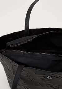 Desigual - BOLS COLORAMA NORWICH - Handbag - black - 2
