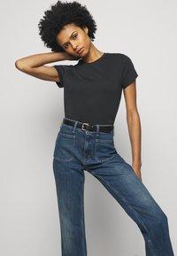 Polo Ralph Lauren - TEE SHORT SLEEVE - Basic T-shirt - black - 3