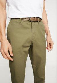 Selected Homme - SHHYARD  - Pantalones - dark camel - 4
