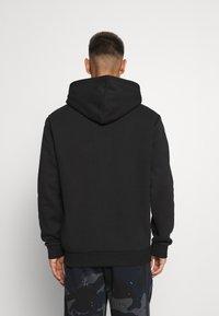 adidas Originals - 3-STRIPES HOODY ORIGINALS ADICOLOR SWEATSHIRT HOODIE - Felpa con cappuccio - black - 2