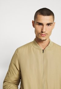 Only & Sons - ONSJACK - Bomber Jacket - tree house - 5