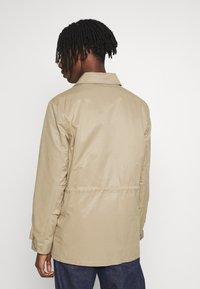 Burton Menswear London - POCKET SAFARI JACKET - Summer jacket - stone - 2