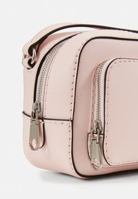 Calvin Klein Jeans - CAMERA BAG - Torba na ramię - pink - 4