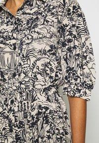 Monki - VALMA DRESS - Robe chemise - blue dark/landscape - 6