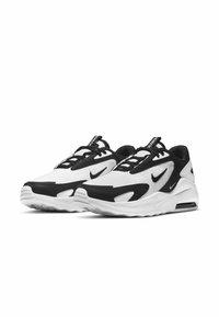 Nike Sportswear - MAX BOLT - Matalavartiset tennarit - white/white/black - 1