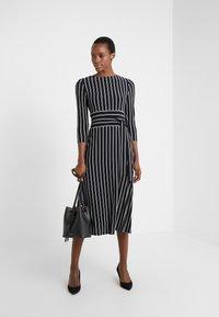 Lauren Ralph Lauren - Jersey dress - black/cream - 1
