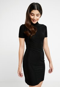 Noisy May Petite - NMNONA MINI DRESS - Shift dress - black - 0