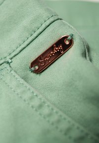 Superdry - CITY - Shorts - khaki - 5