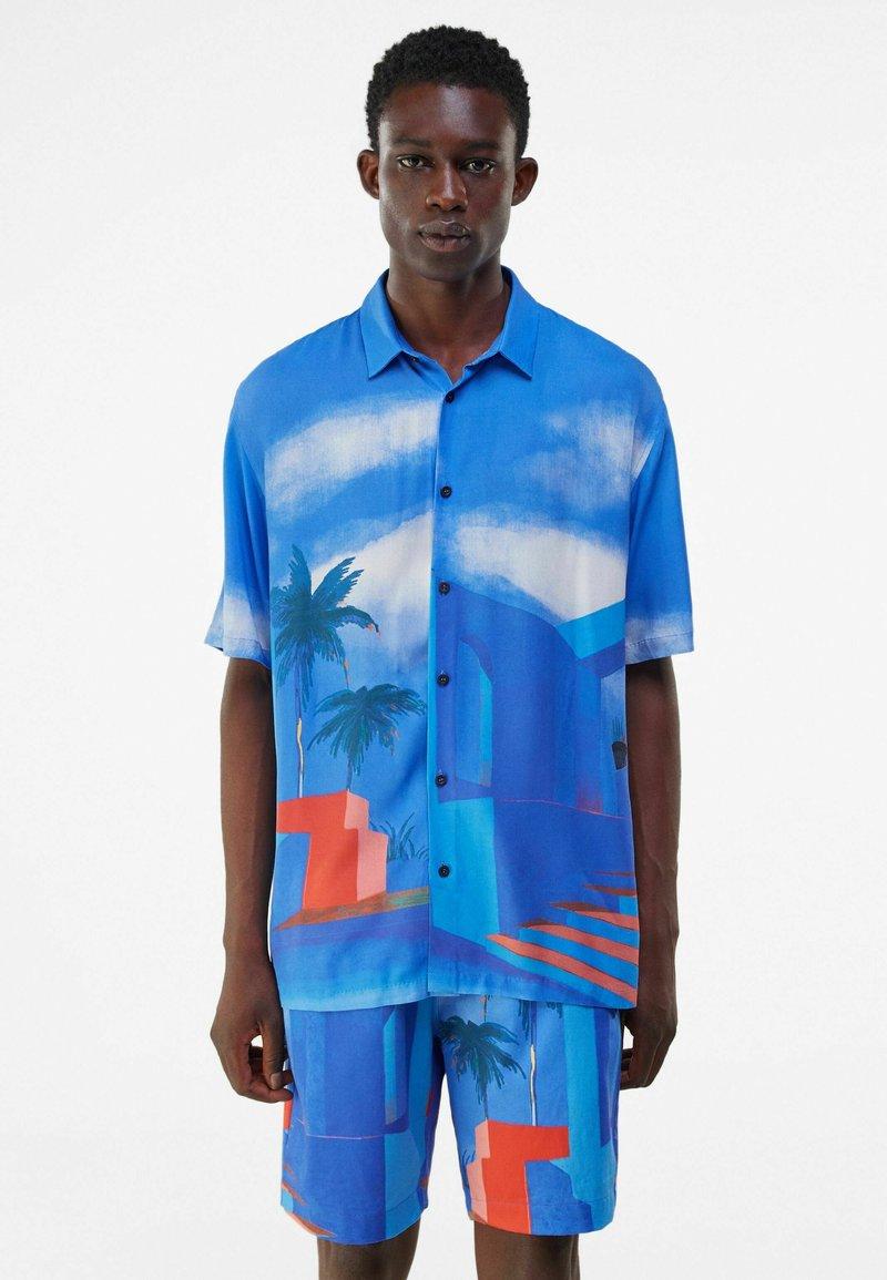 Bershka - RELAXED FIT - Shirt - blue
